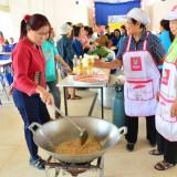 โครงการส่งเสริมอาชีพกลุ่มสตรีแม่บ้านตำบลสันทราย