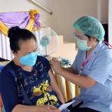 บริการฉีดวัคซีนป้องกันเชื้อไวรัส COVID-19 แก่ประชาชนในพื้นที่อำเภอฝาง